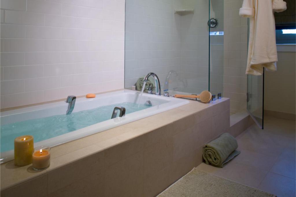 Richards Court Bathroom High Rise Condo Salt Lake